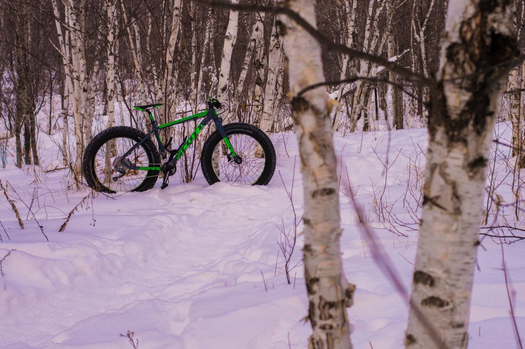 fat_tire_bike_snow_outdoor_Winter_duluth_minnesota_jonathan_portinga
