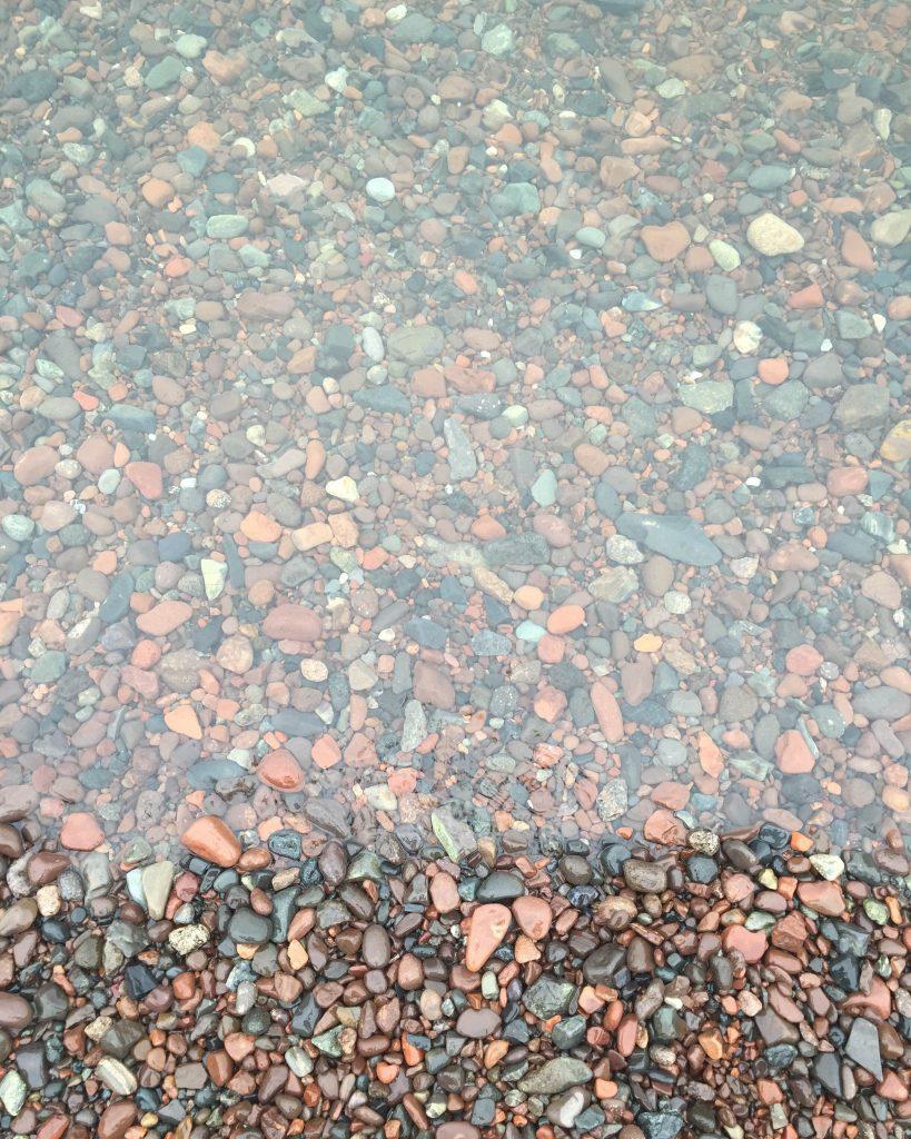 lake_superior_rocks_beach_minnesota_duluth_kelly_popham