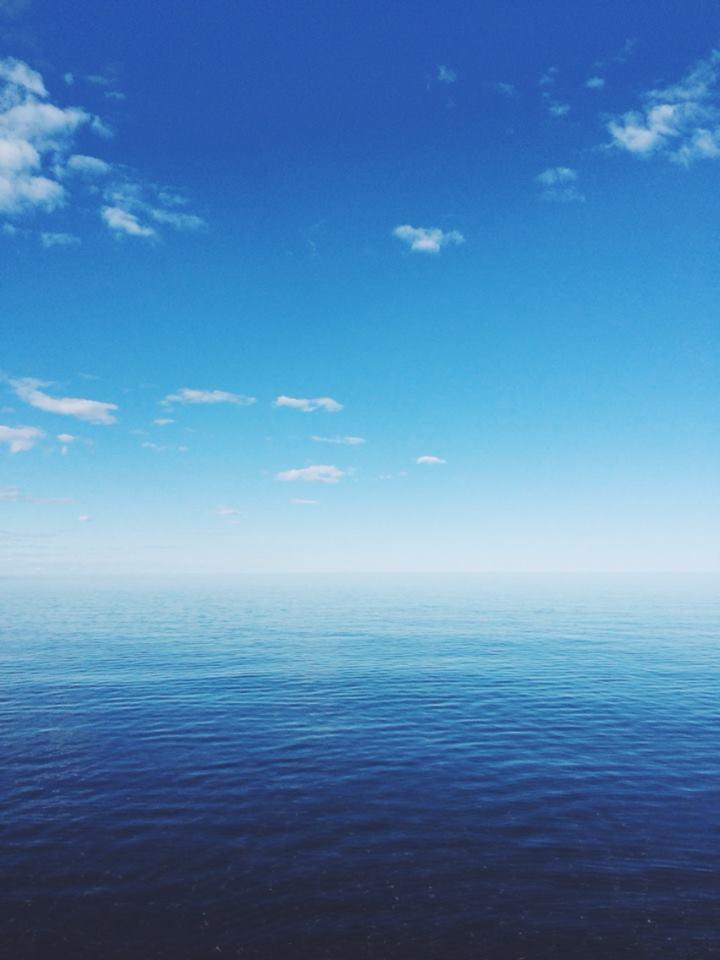 lake_superior_sky_water_duluth_minnesota_kahla_statema