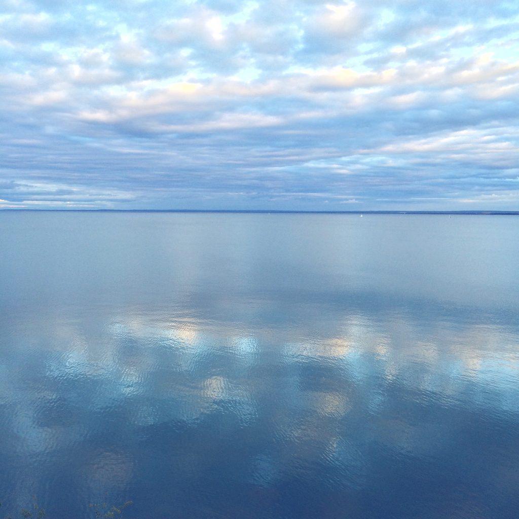 lake_superior_water_lakeshore_duluth_mn_gia_bellamy