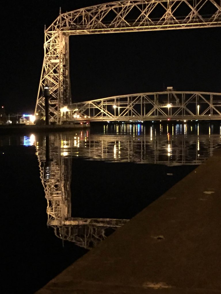 lift_brdge_night_photography_duluth_mn_erin_kotzenmacher