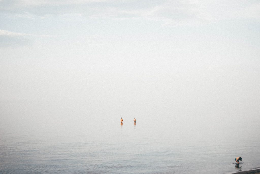 summer_beach_swimming_great_lake_duluth_minnesota_menique_koos
