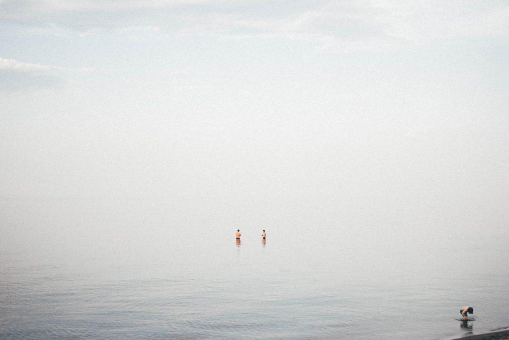summer_beach_swimming_great_lake_duluth_minnesota_menique_koos