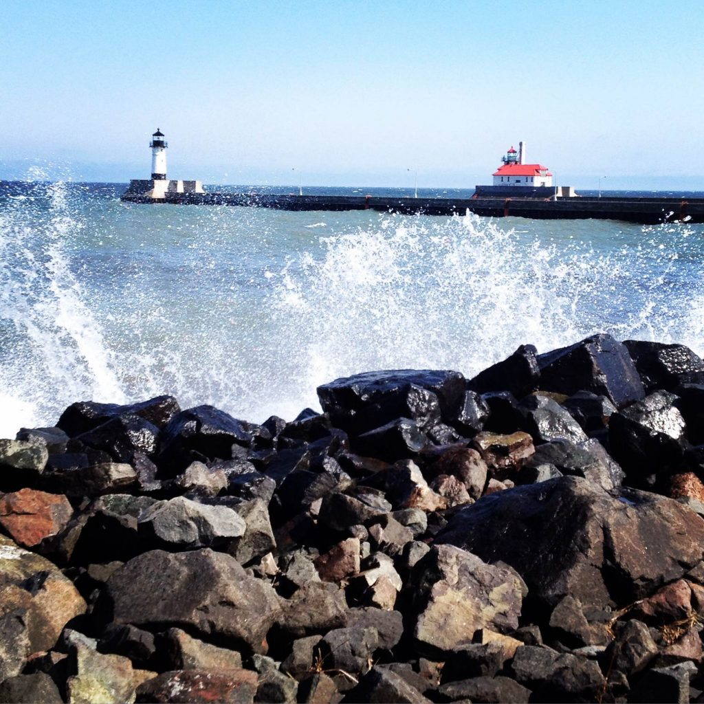 canal_park_lighthouse_waves_crashing_lake_duluth_mn_melissa_maki
